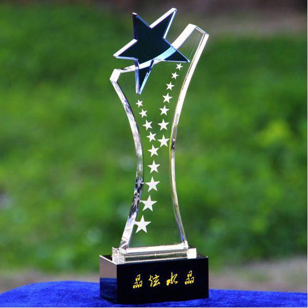 Cúp Pha Lê Trao Giải cu-024