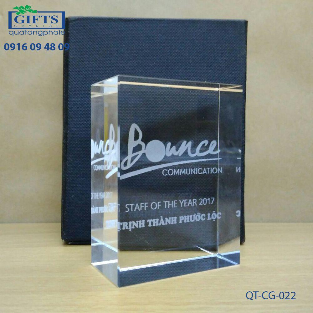 Chặn giấy pha lê QT-CG-022