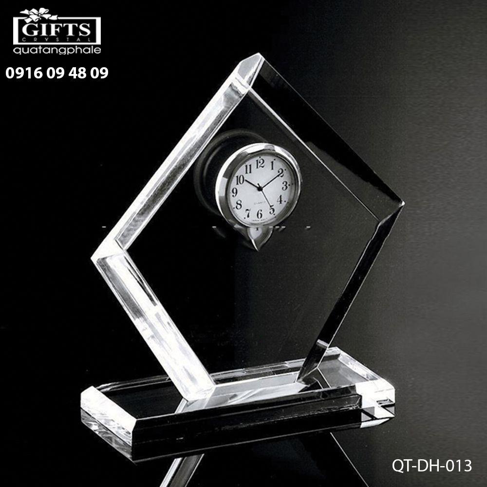 Đồng hồ pha lê để bàn QT-DH-013