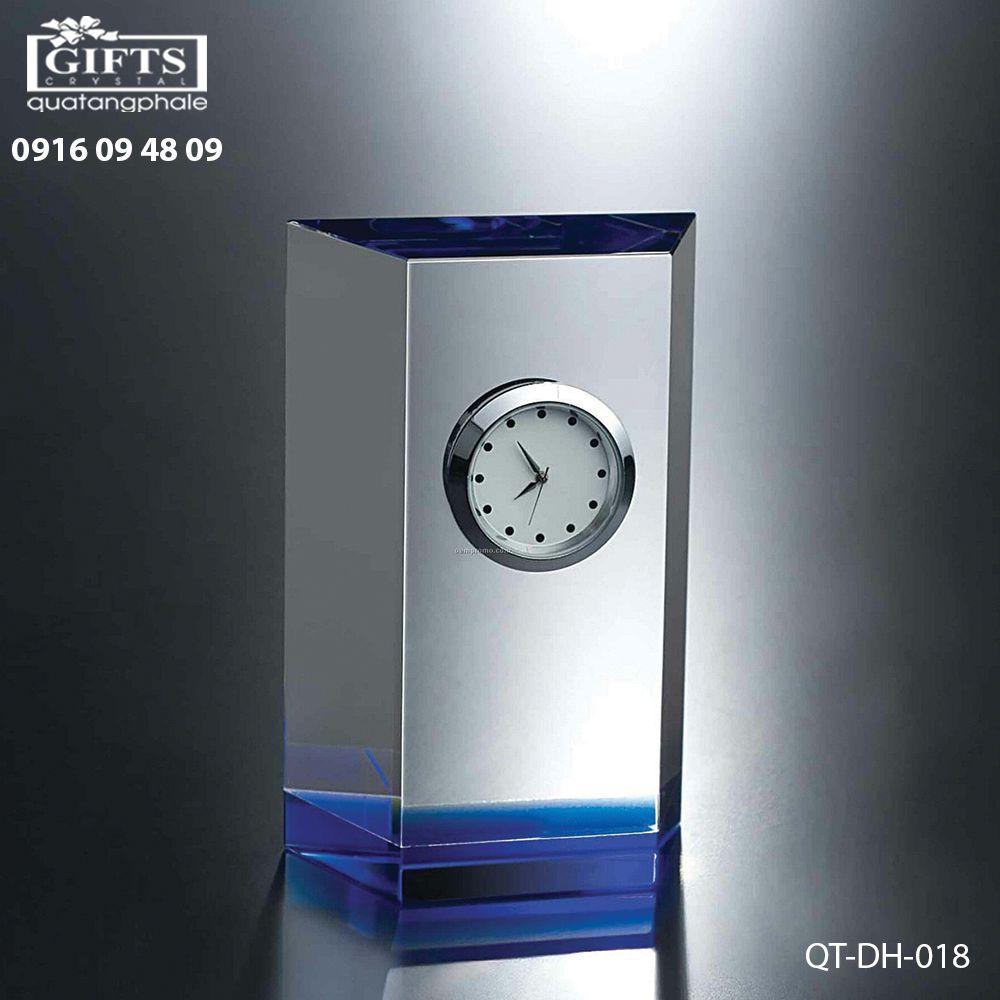 Đồng hồ pha lê để bàn QT-DH-018