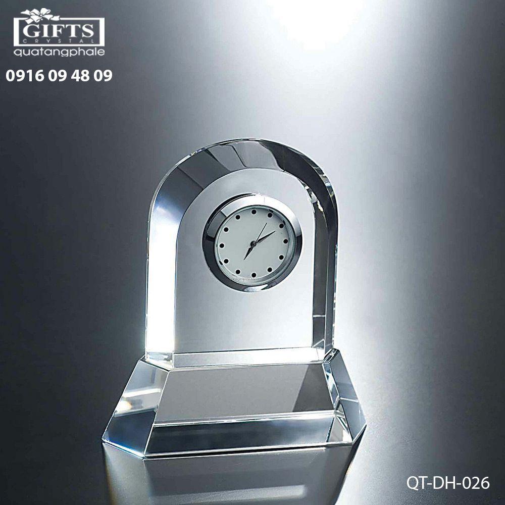 Đồng hồ pha lê để bàn QT-DH-026