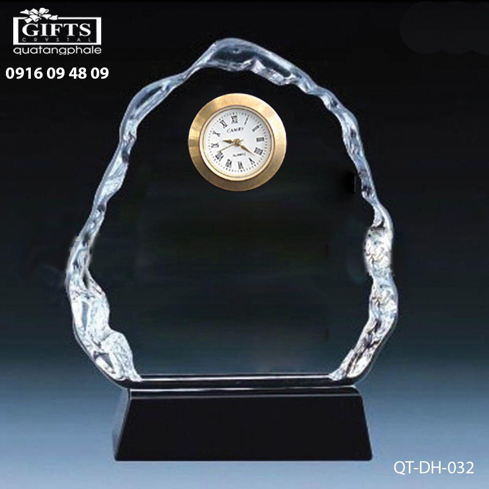 Đồng hồ pha lê để bàn QT-DH-032