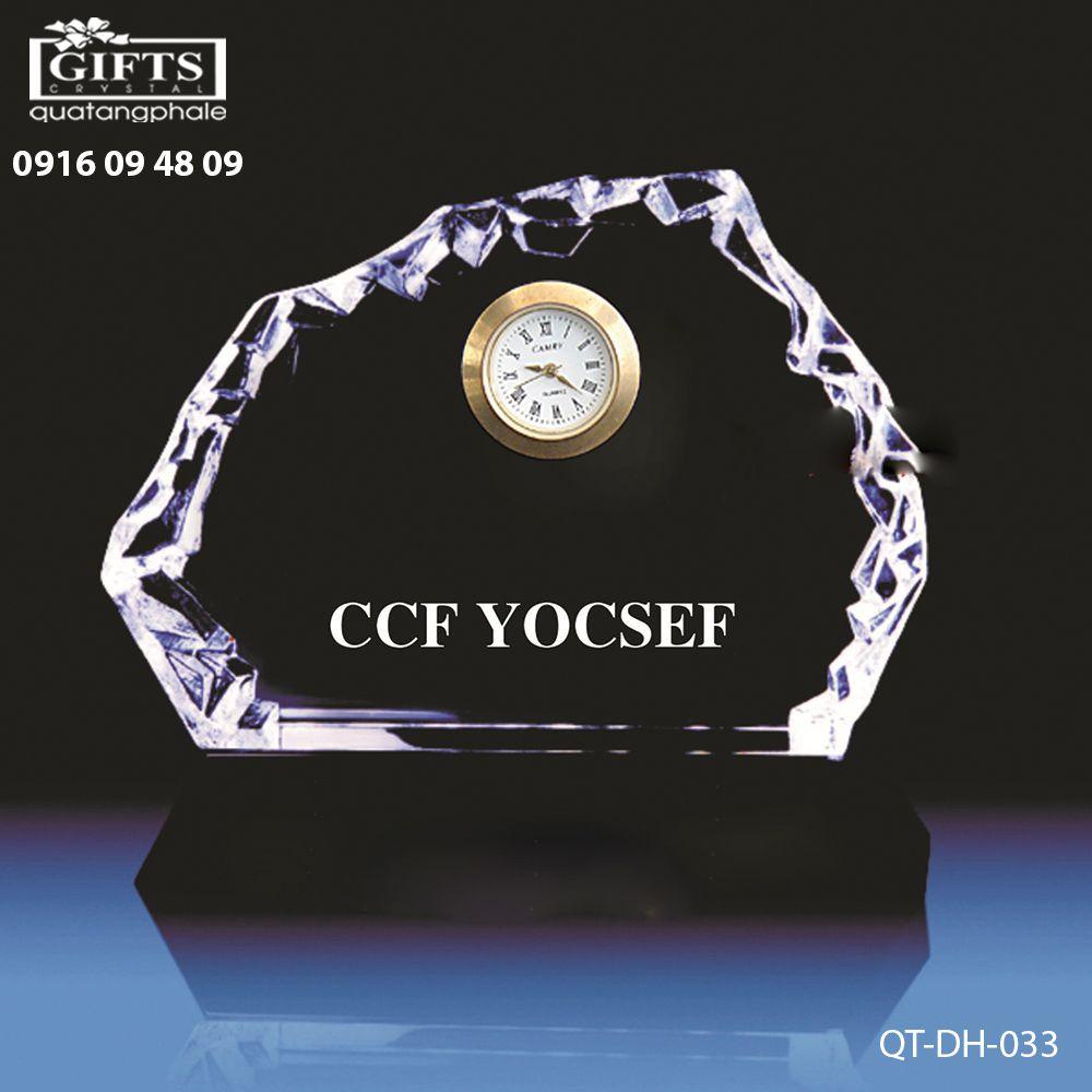 Đồng hồ pha lê để bàn QT-DH-033