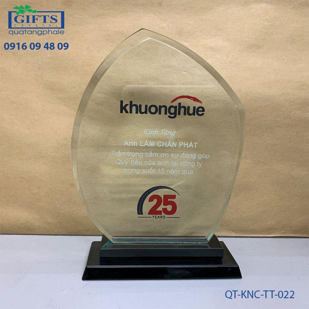 Kỷ niệm chương thủy tinh QT-KNC-TT-022