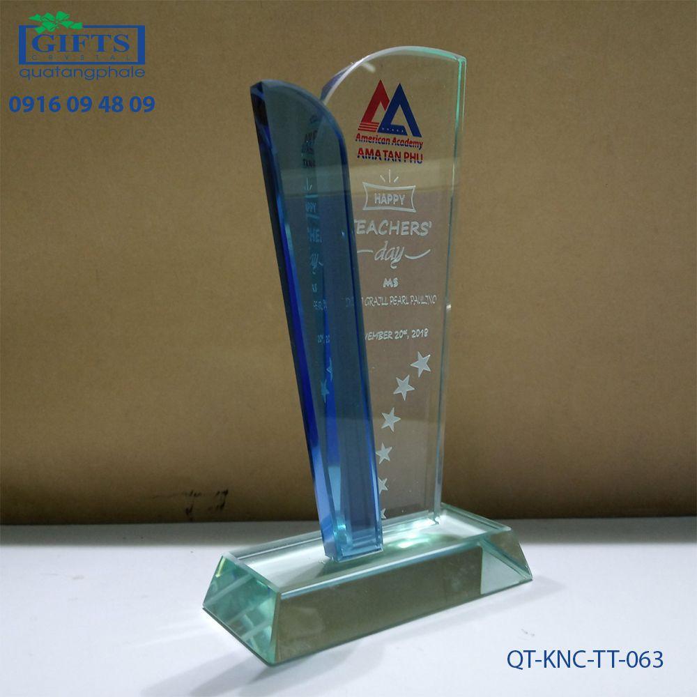 Kỷ niệm chương thủy tinh QT-KNC-TT-063