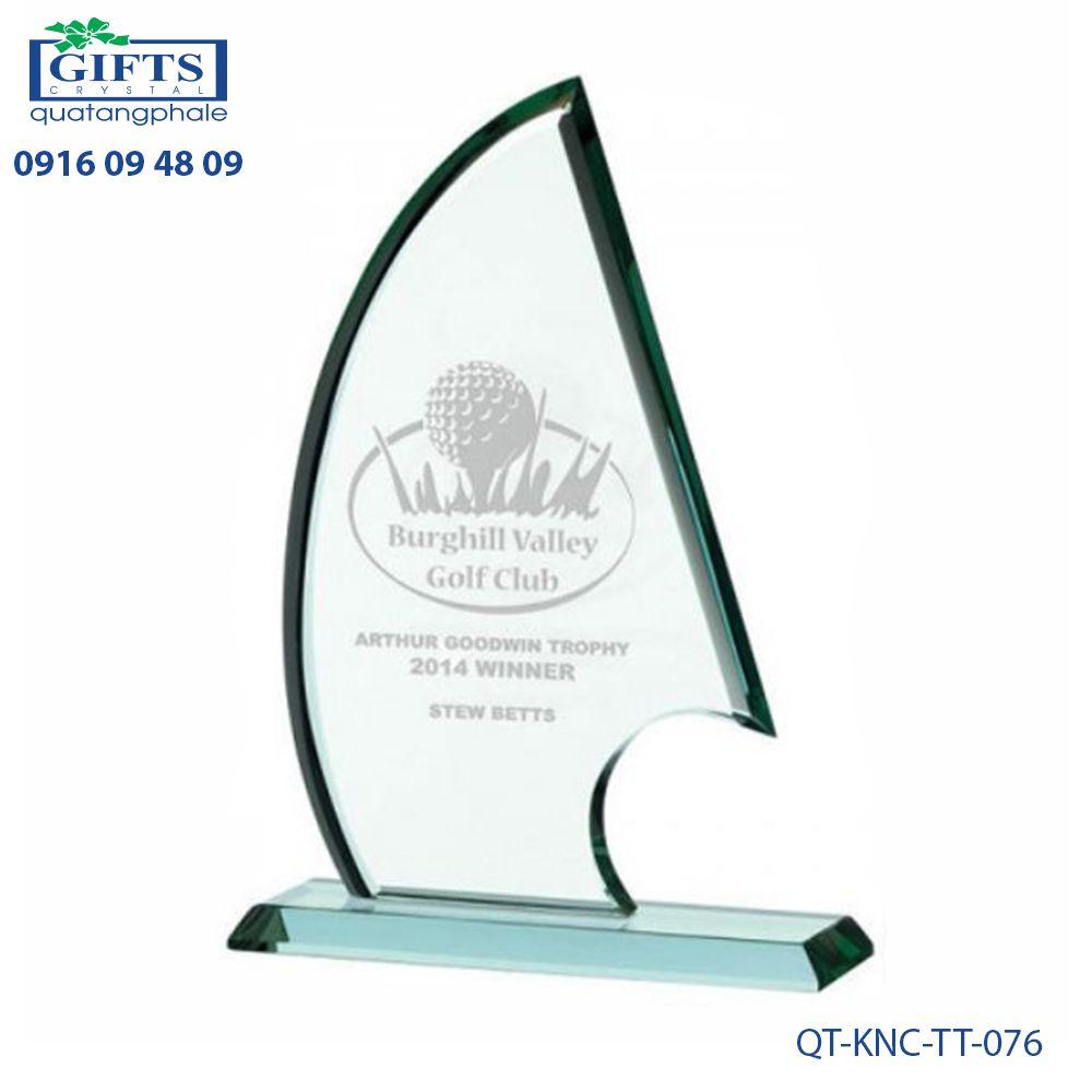 Kỷ niệm chương thủy tinh QT-KNC-TT-076