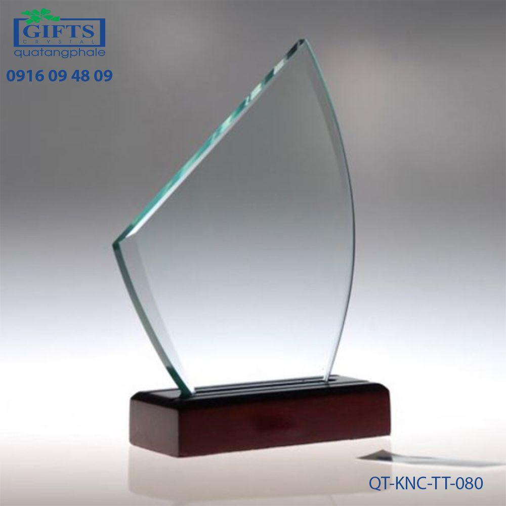 Kỷ niệm chương thủy tinh QT-KNC-TT-080