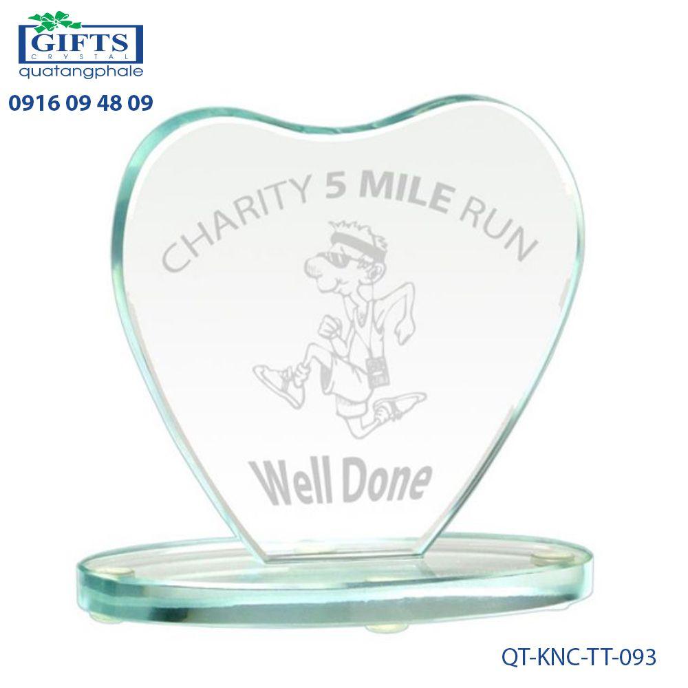 Kỷ niệm chương thủy tinh QT-KNC-TT-093
