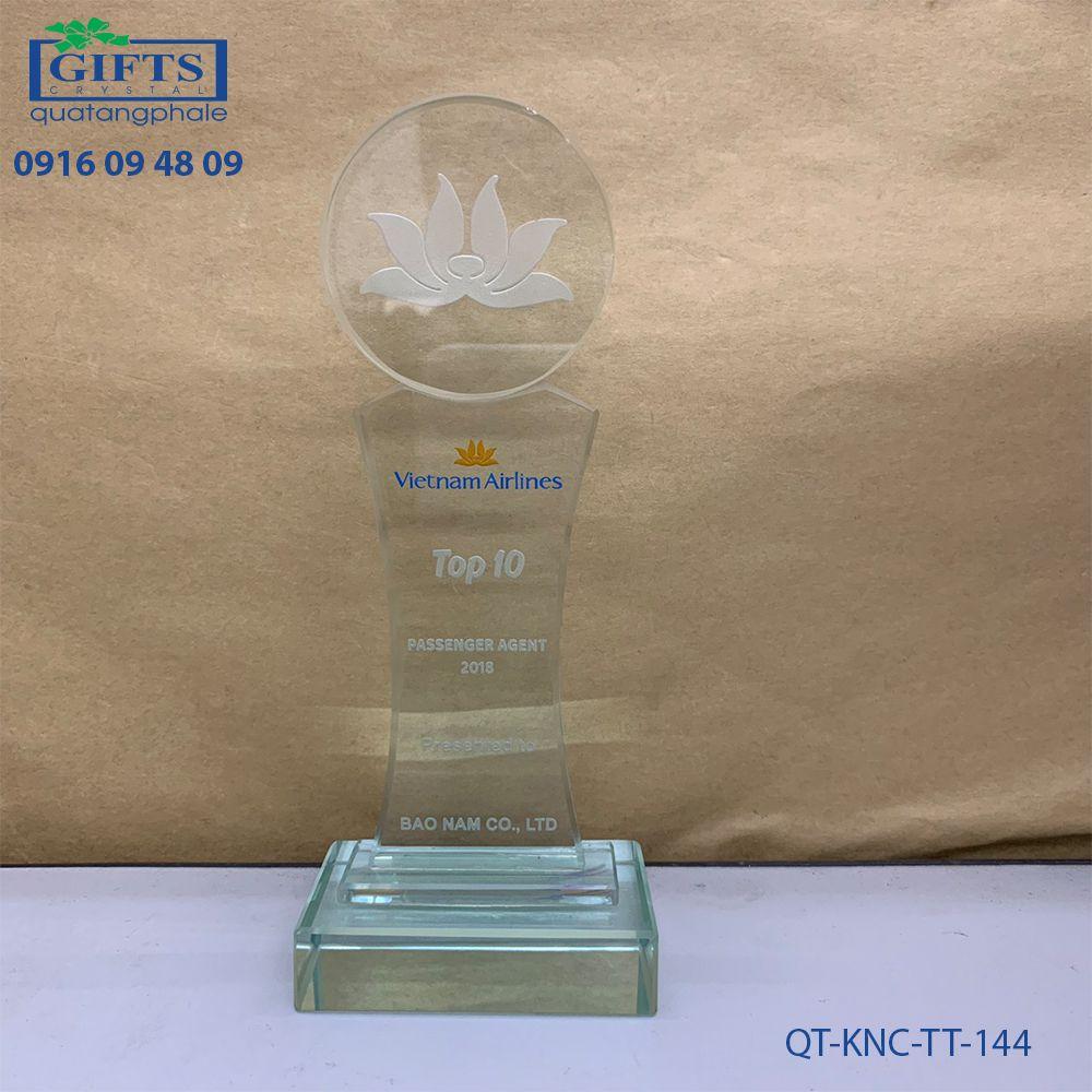 Kỷ niệm chương thủy tinh QT-KNC-TT-144