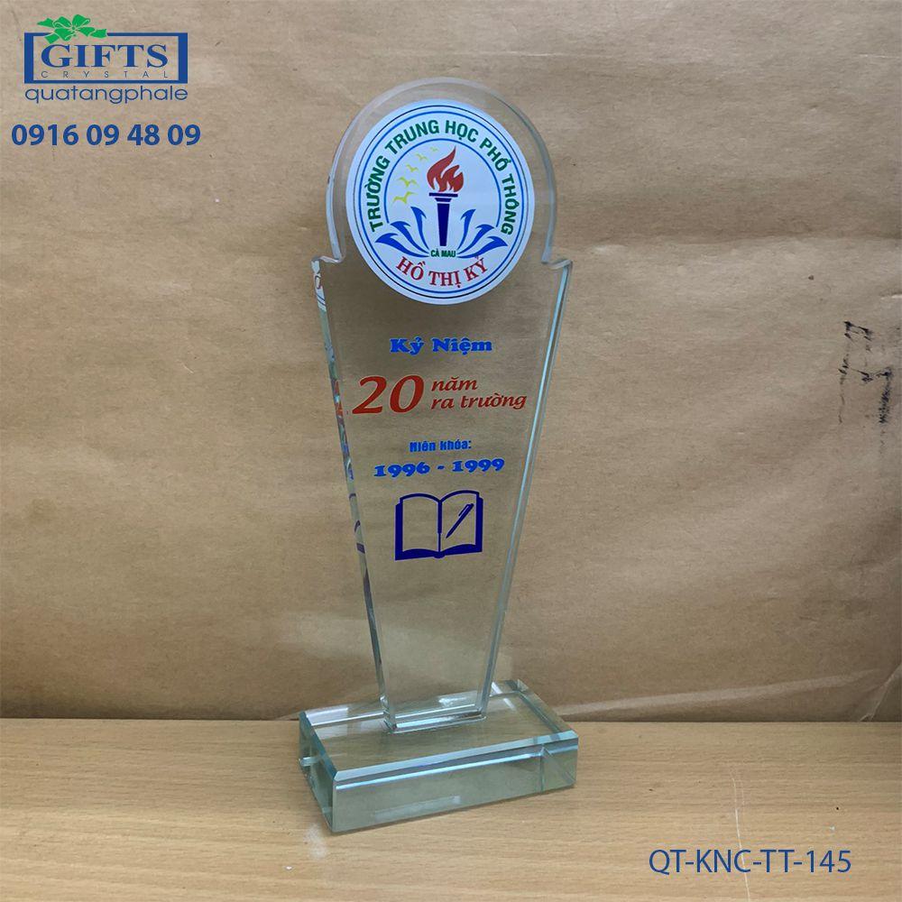 Kỷ niệm chương thủy tinh QT-KNC-TT-145