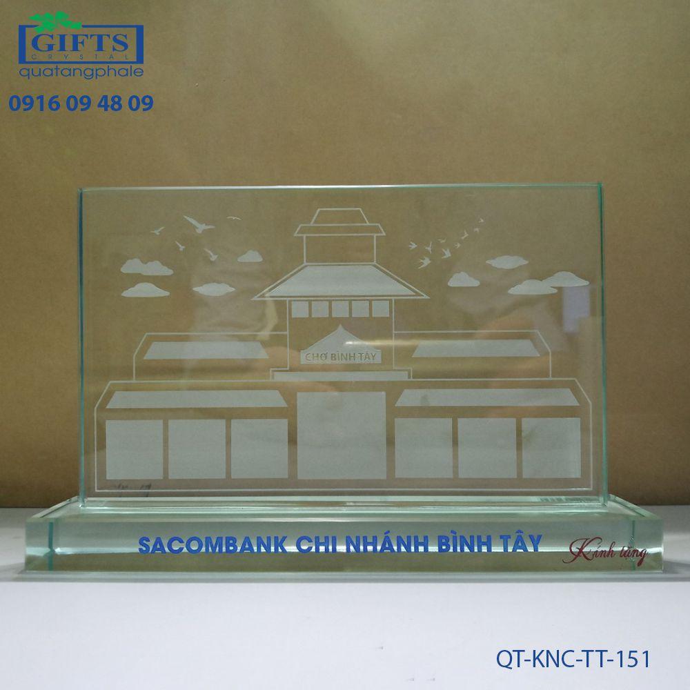 Kỷ niệm chương thủy tinh QT-KNC-TT-151