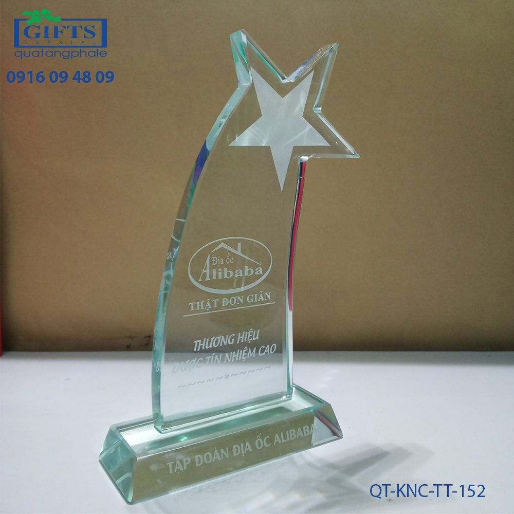 Kỷ niệm chương thủy tinh QT-KNC-TT-152