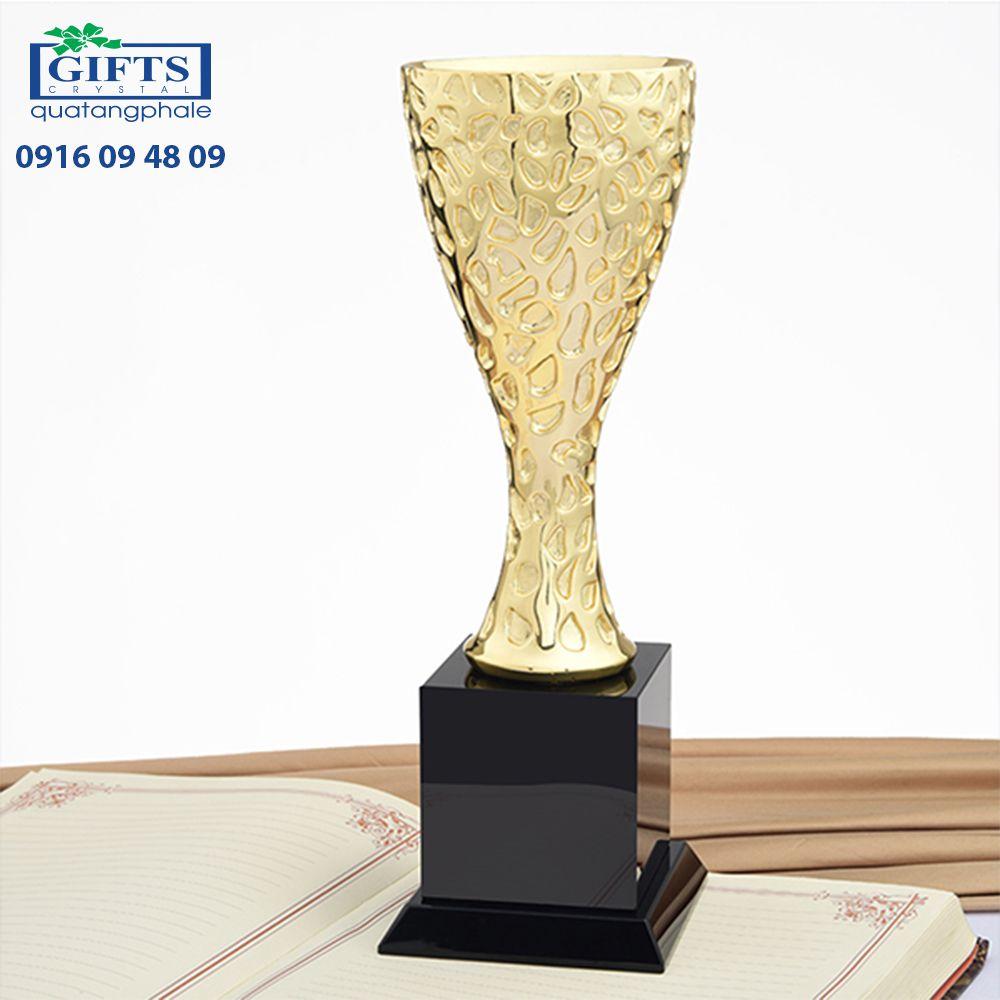 Cúp nghệ thuật QT-CUP-186