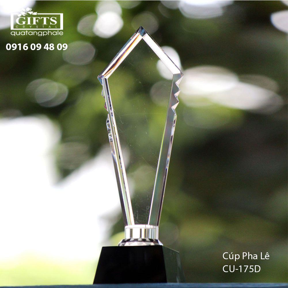 Cúp Pha Lê Trao Giải cu-175d