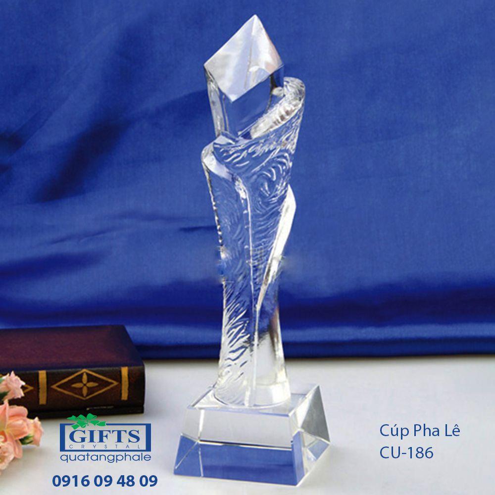 Cúp Pha Lê Trao Giải cu-186