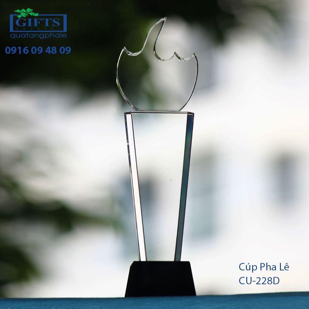 Cúp Pha Lê Trao Giải cu-228d