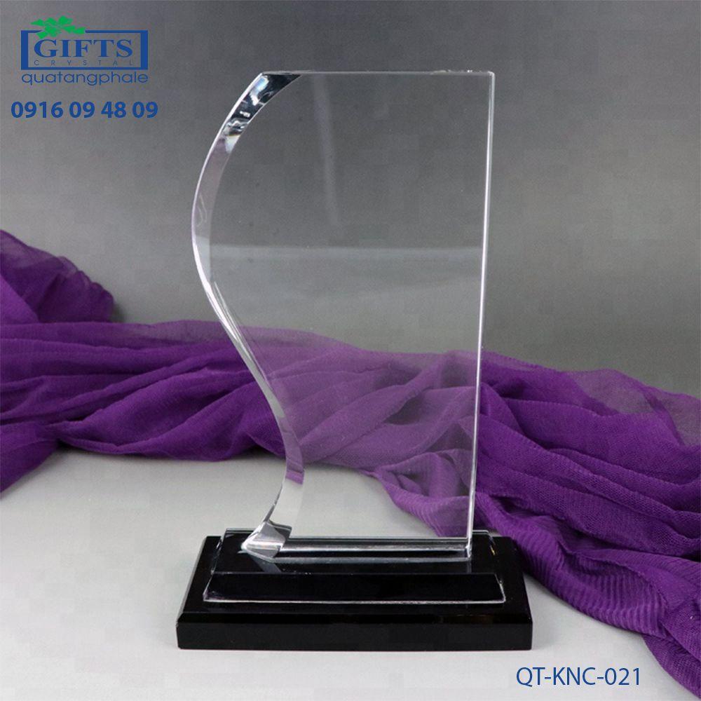 Kỷ niệm chương pha lê QT-KNC-021