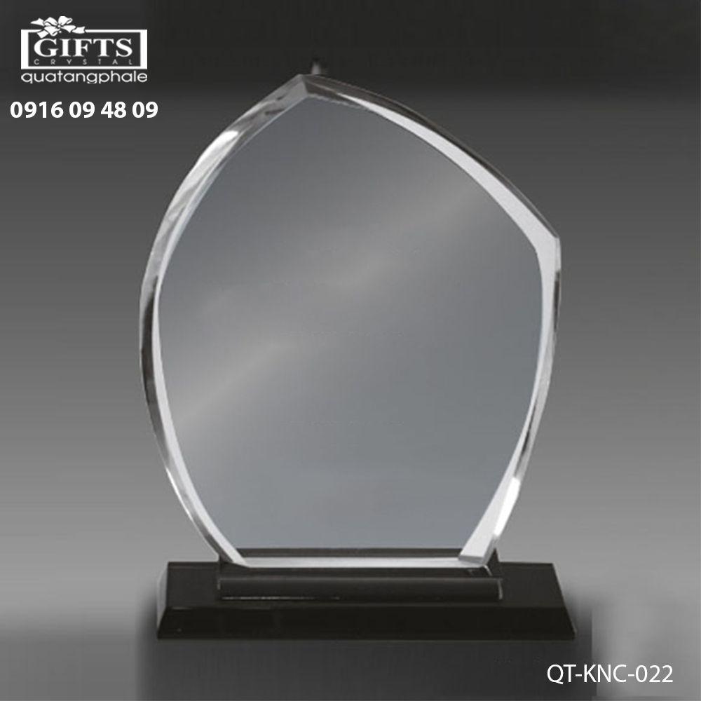 Kỷ niệm chương pha lê QT-KNC-022