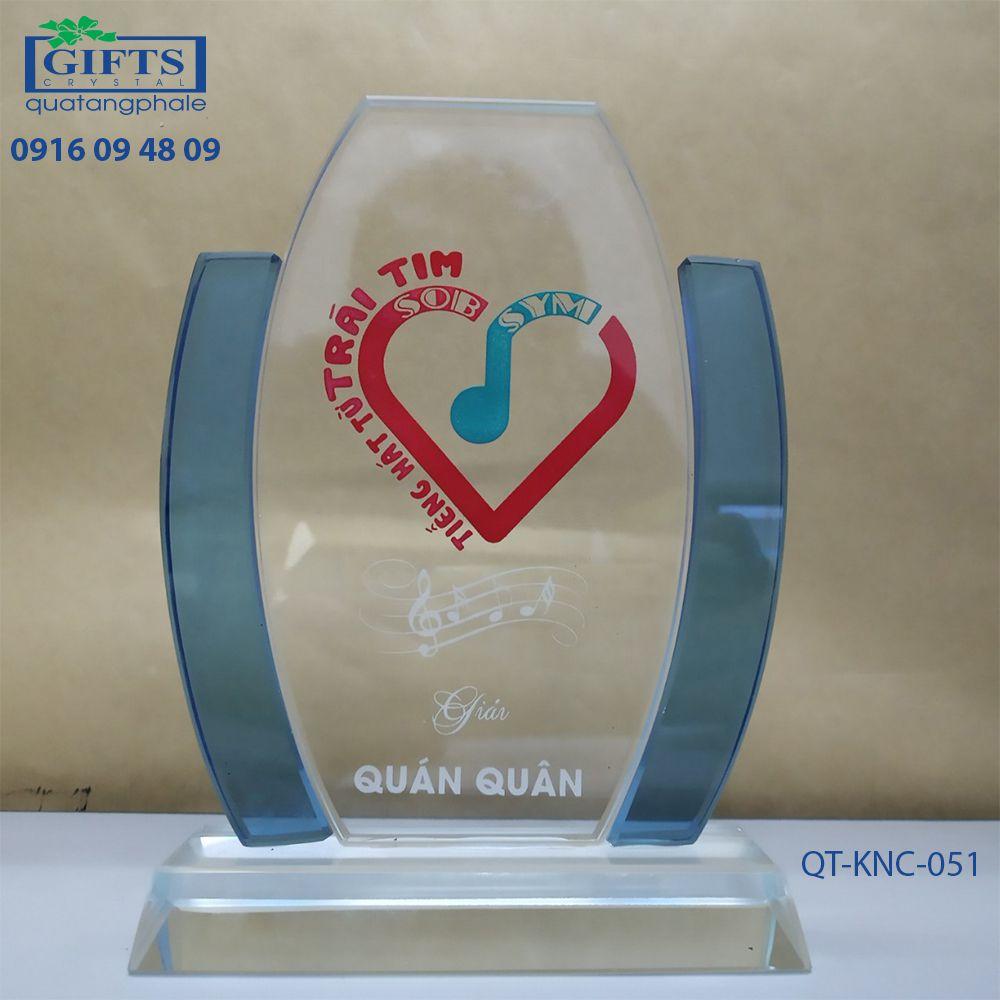 Kỷ niệm chương pha lê QT-KNC-051
