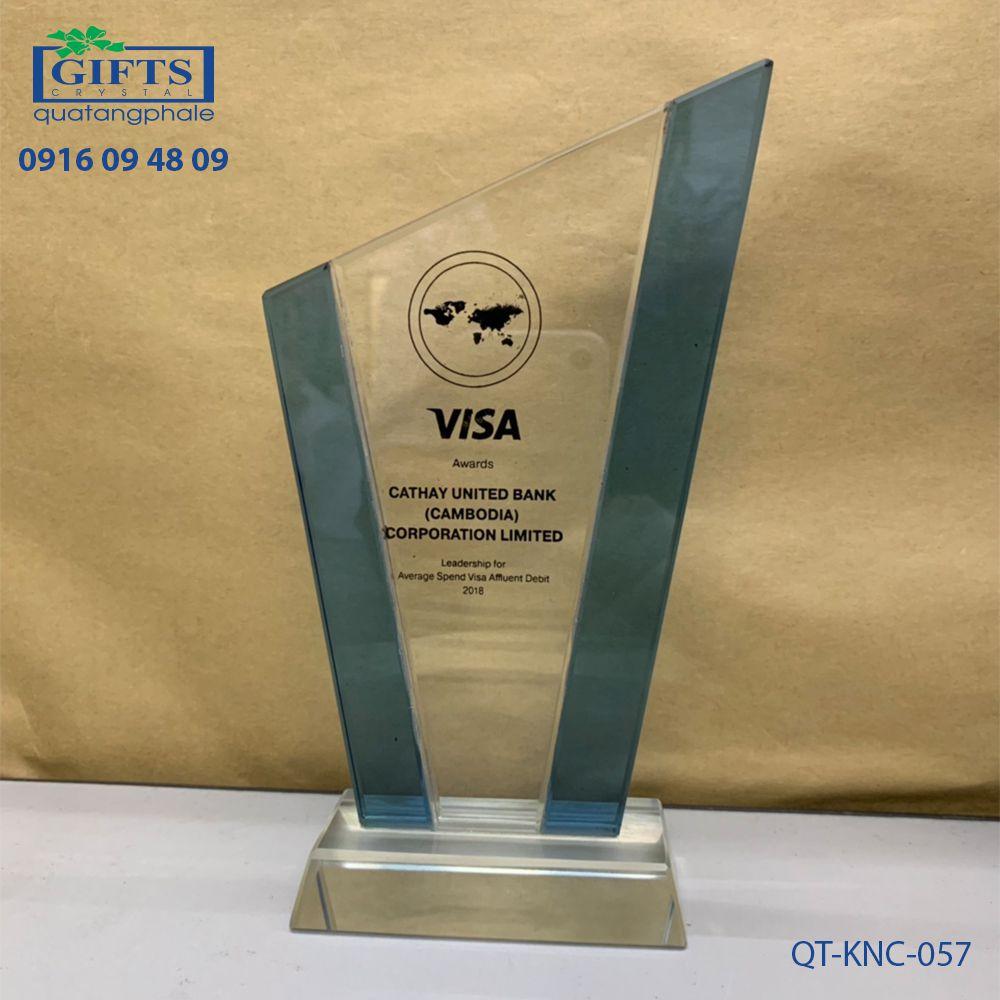 Kỷ niệm chương pha lê QT-KNC-057