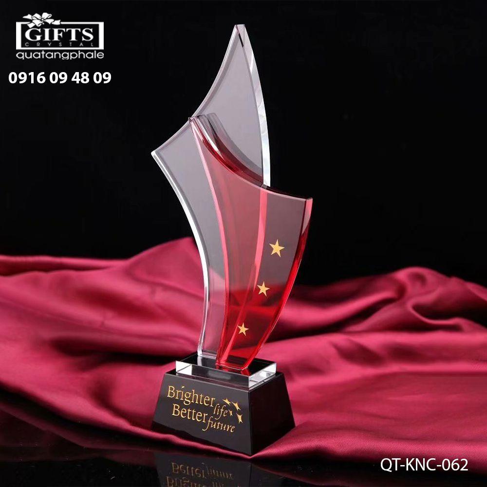Kỷ niệm chương pha lê QT-KNC-062