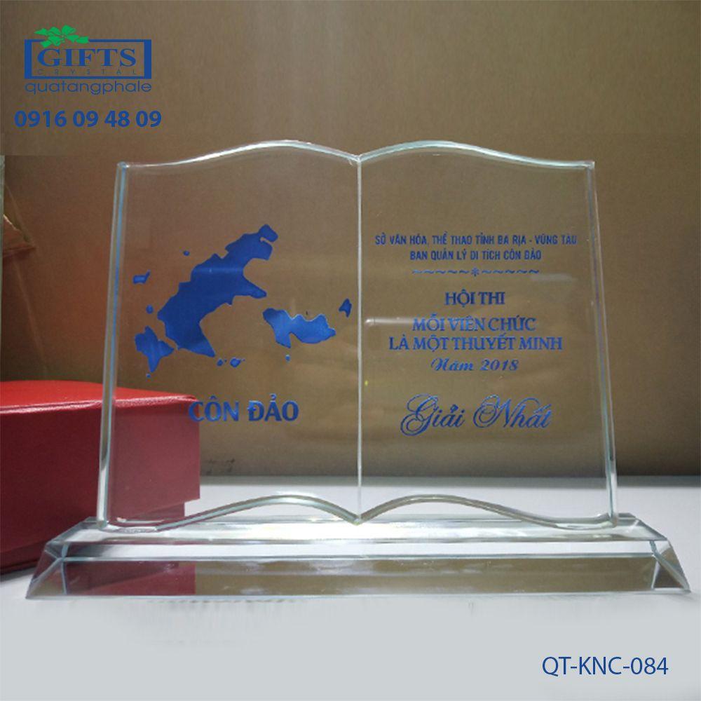 Kỷ niệm chương pha lê QT-KNC-084