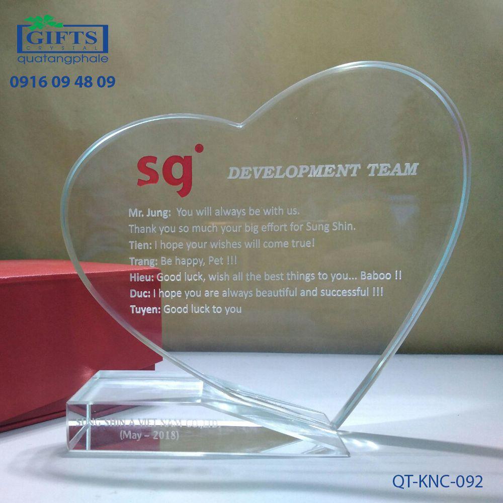 Kỷ niệm chương pha lê QT-KNC-092