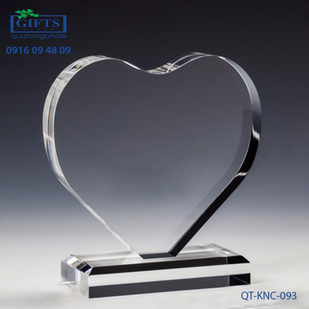 Kỷ niệm chương pha lê QT-KNC-093