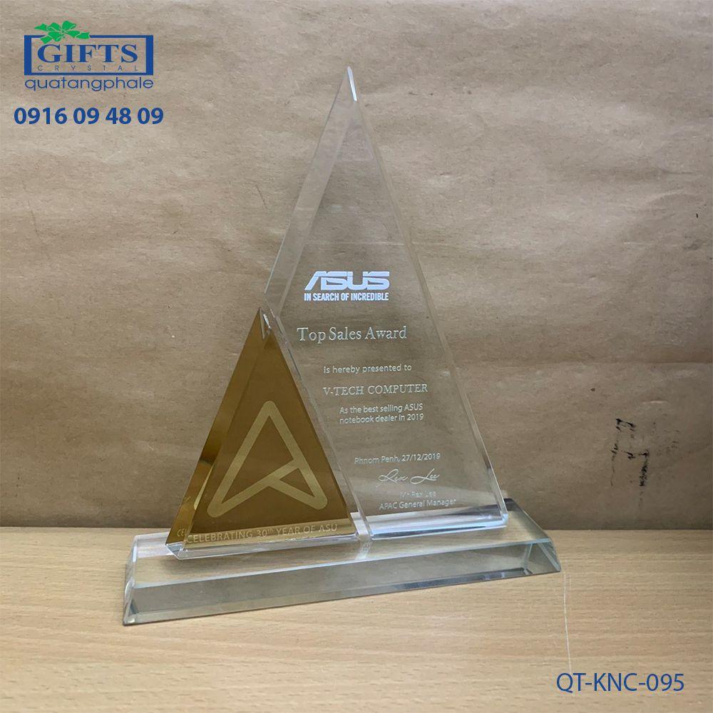 Kỷ niệm chương pha lê QT-KNC-095