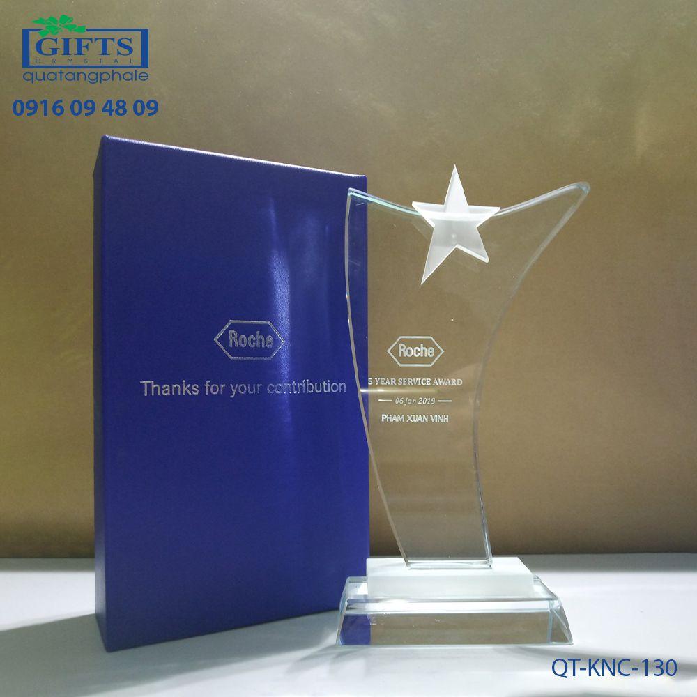 Kỷ niệm chương pha lê QT-KNC-130