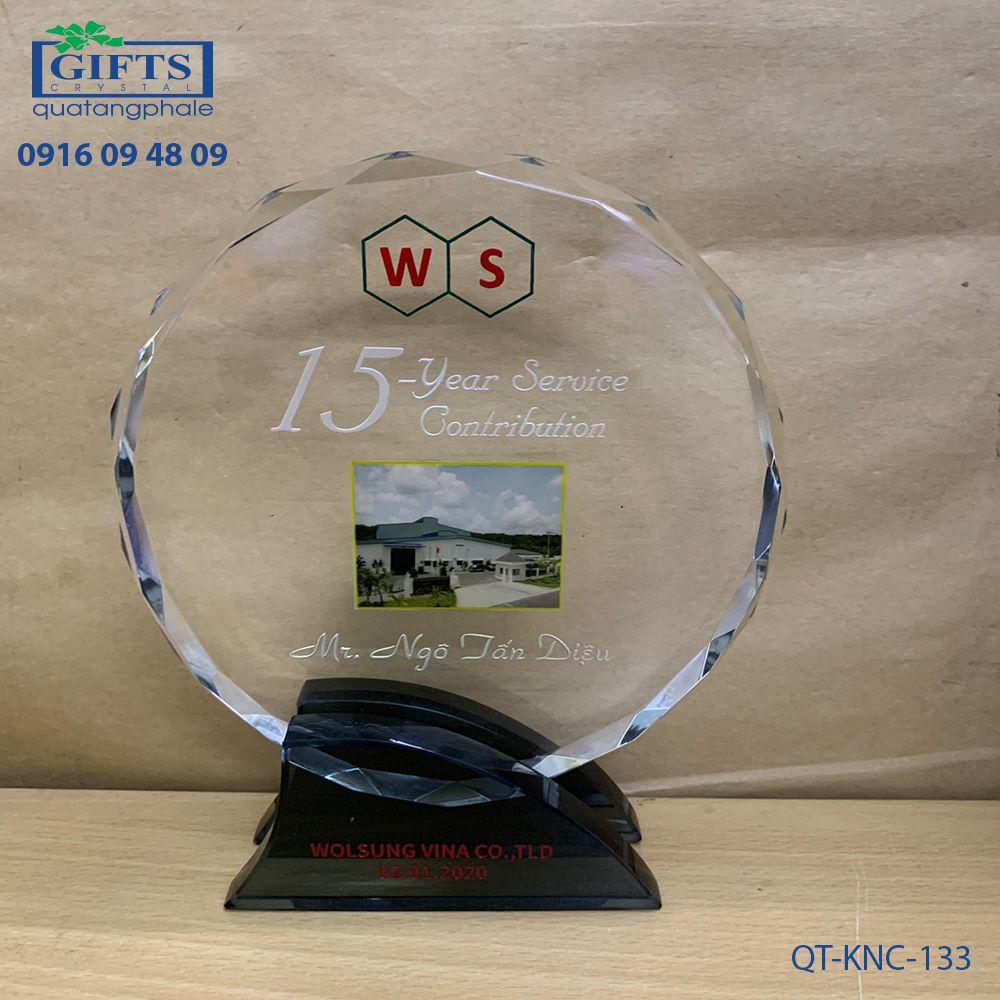 Kỷ niệm chương pha lê QT-KNC-133