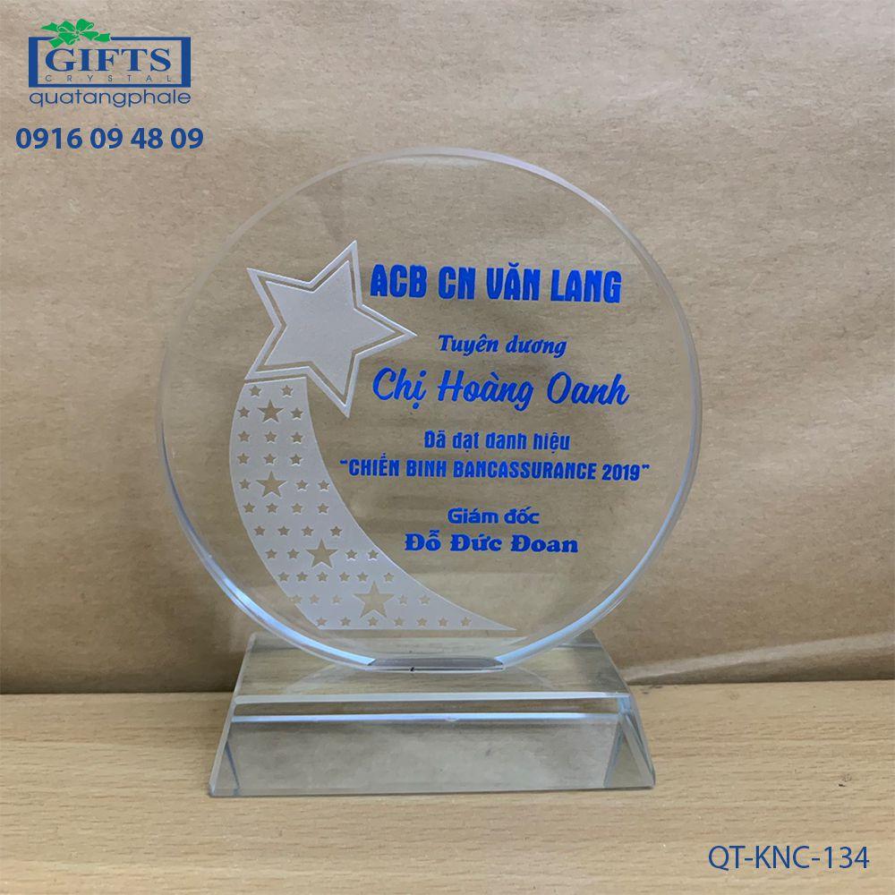 Kỷ niệm chương pha lê QT-KNC-134