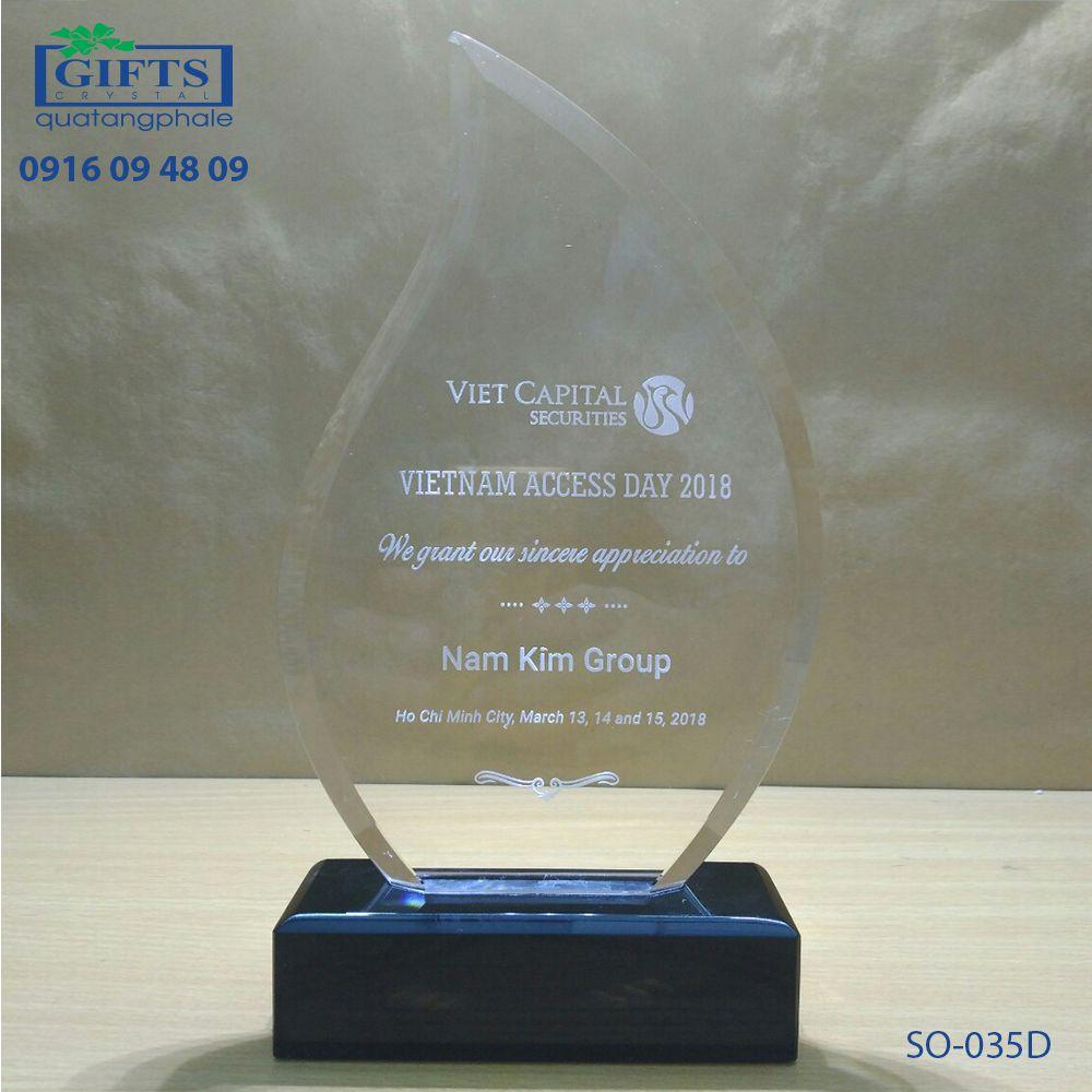 Kỷ niệm chương pha lê SO-035D