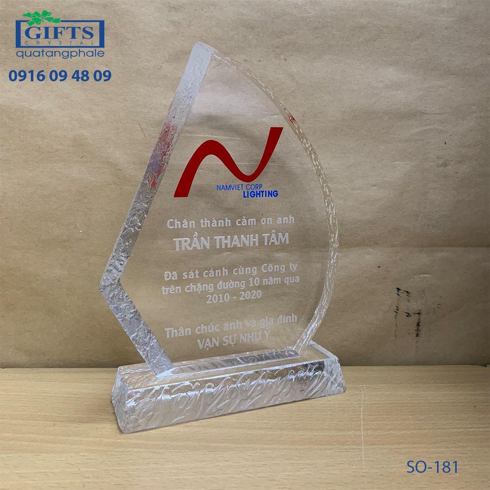 Kỷ niệm chương pha lê SO-181